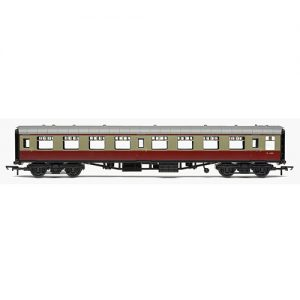 Hornby R4628 RailRoad, BR, Mk.1 Tourist Second Open Coach, BR Carmine & Cream -Era 4